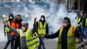 Policía francesa vuelve a reprimir a los chalecos amarillos
