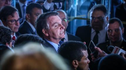 Infectados por COVID-19 6 acompañantes de Bolsonaro en visita a Trump