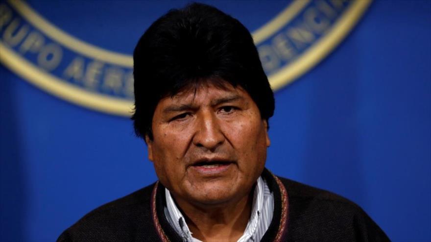Morales lamenta expulsión de médicos cubanos tras su salida del poder