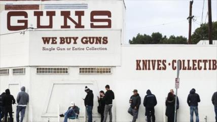 Crece venta de armas en EEUU ante posible violencia por COVID-19