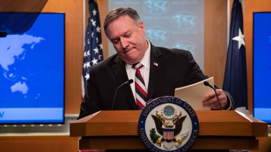El Secretario de Estado de EE.UU., Mike Pompeo, en una conferencia de prensa en Washington D.C., 17 de marzo de 2020. (Foto: AFP)