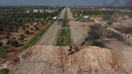 Rusia da un ultimátum a terroristas: abandonen autopista M4, Siria