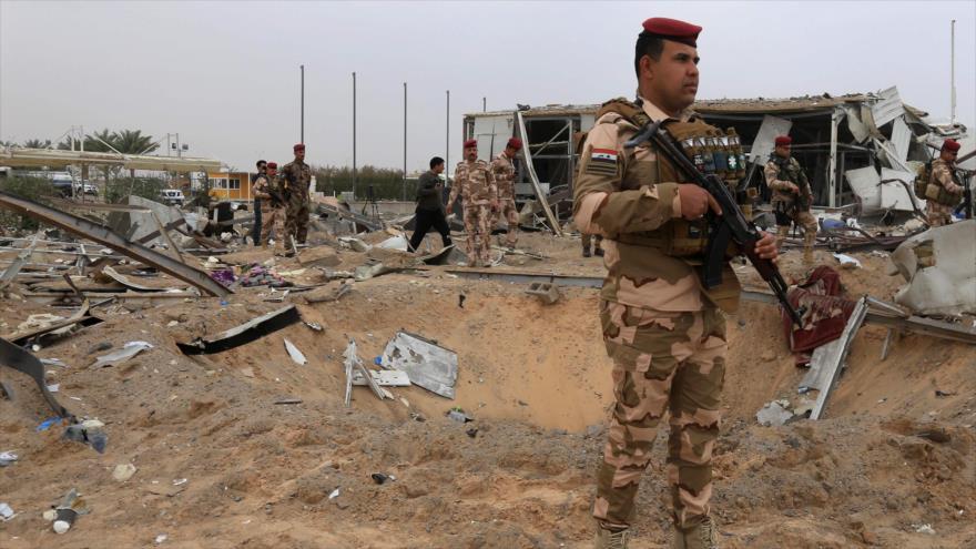 Imagen muestra los daños al aeropuerto de la ciudad iraquí de Karbala tras un ataque aéreo de EE.UU., 13 de marzo de 2020. (Foto: AFP)