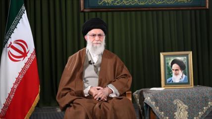 """Líder iraní: La nación """"brilló"""" y """"triunfó"""" pese a las dificultades"""
