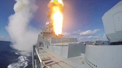 Rusia calibra sus armas navales en ejercicios en el Mediterráneo