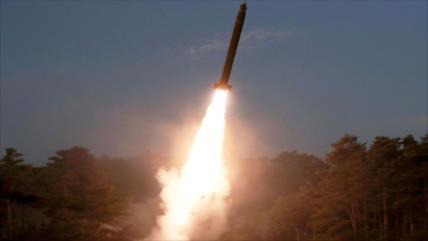 Corea del Norte lanza dos misiles balísticos al mar de Japón