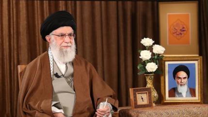 """Líder iraní tacha de """"charlatanas"""" a autoridades de EEUU"""