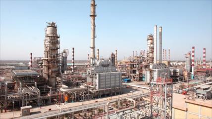 Sector petroquímico de Irán supera las sanciones ilegales de EEUU