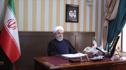 Irán reclama fin de sanciones de EEUU y cooperación ante COVID-19