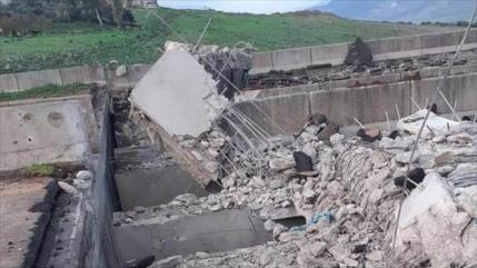 Terroristas destruyen puente sobre M4 para bloquear paso de rusos