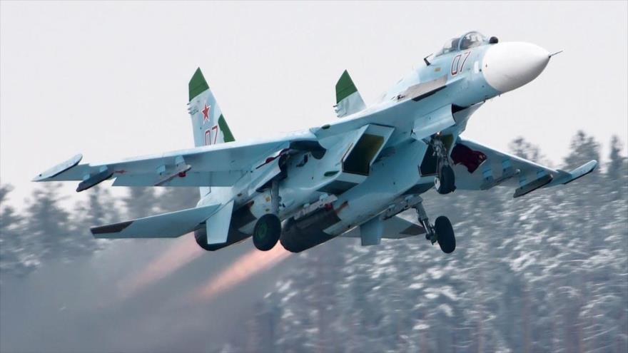 Un avión de combate ruso Sukhoi Su-27.