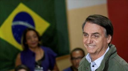 """Bolsonaro: El brasileño """"bucea en alcantarillas y no pasa nada"""""""