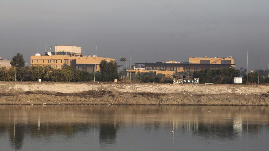 La embajada de los Estados Unidos al otro lado del río Tigris en Bagdad, capital de Iraq, 3 de enero de 2019. (Foto: AFP)