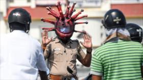 Creatividad de un policía indio para mantener a la gente en casa
