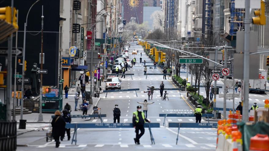 Una calle de Nueva York, EE.UU., desierta por temor al coronavirus, 27 de marzo de 2020. (Foto: AFP)