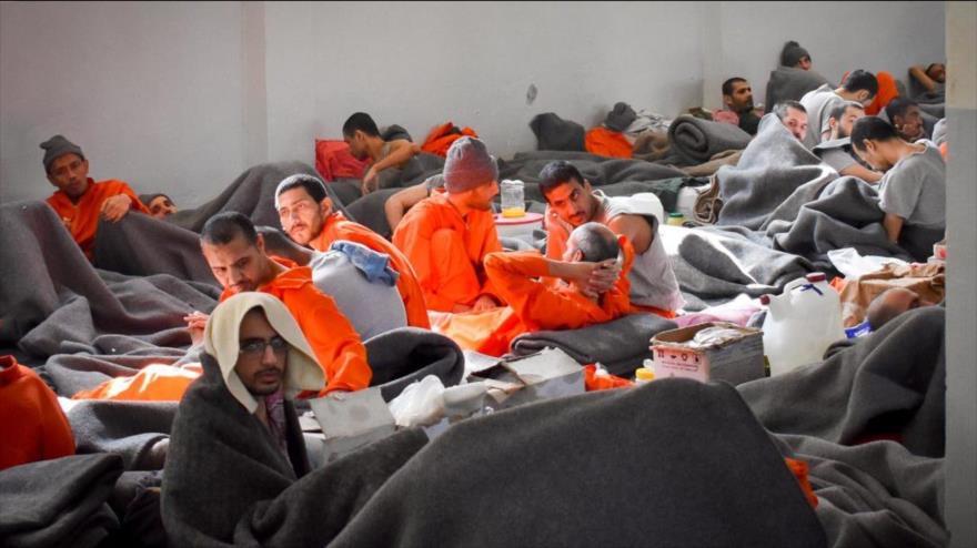 Prisioneros del grupo terrorista Daesh en una cárcel de las FDS en la ciudad siria de Al-Hasaka, 12 de noviembre de 2019. (Foto: The Defense Post)