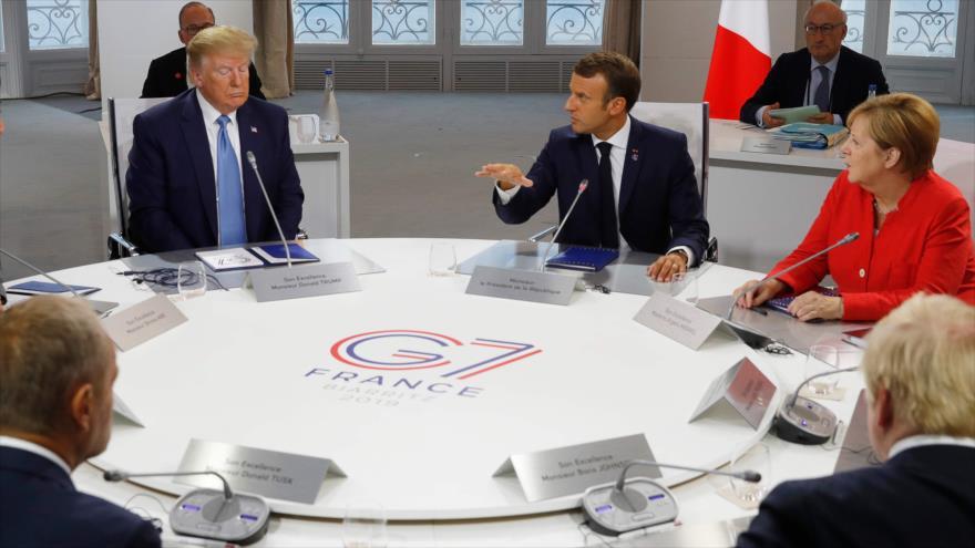 Presidente de EE.UU., Donald Trump (izda.), con los líderes de Francia, Alemania, el Reino Unido e Italia en la cumbre anual del G7, 25 de agosto de 2019. (Foto: AFP)