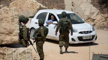 Israelíes escupen en autos palestinos para propagar el coronavirus