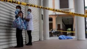 Reportero rompe en lágrimas por crisis del COVID-19 en Ecuador