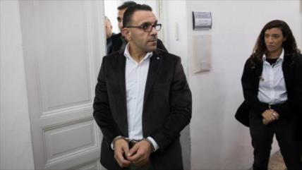 Policía israelí vuelve a arrestar al gobernador de Al-Quds
