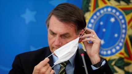 ¿Cómo la pandemia del COVID-19 debilita cada vez más a Bolsonaro?
