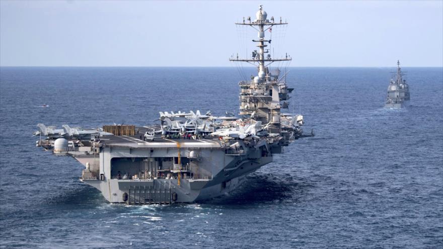 """El portaaviones USS """"Harry S Truman"""" de la Marina de Estados Unidos en el océano Atlántico, 18 julio de 2019."""