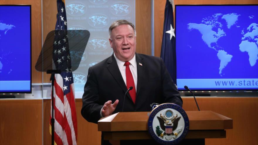 El secretario de Estado de EE.UU., Mike Pompeo, en una conferencia de prensa, Washington, D.C., 7 de abril de 2020. (Foto: AFP)