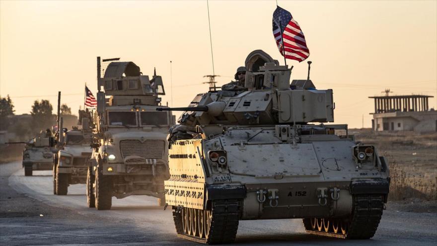 Un convoy militar del Ejército estadounidense cerca de la ciudad de Tal Tamr, en la provincia siria de Hasaka, 10 de noviembre de 2019. (Foto: AFP)