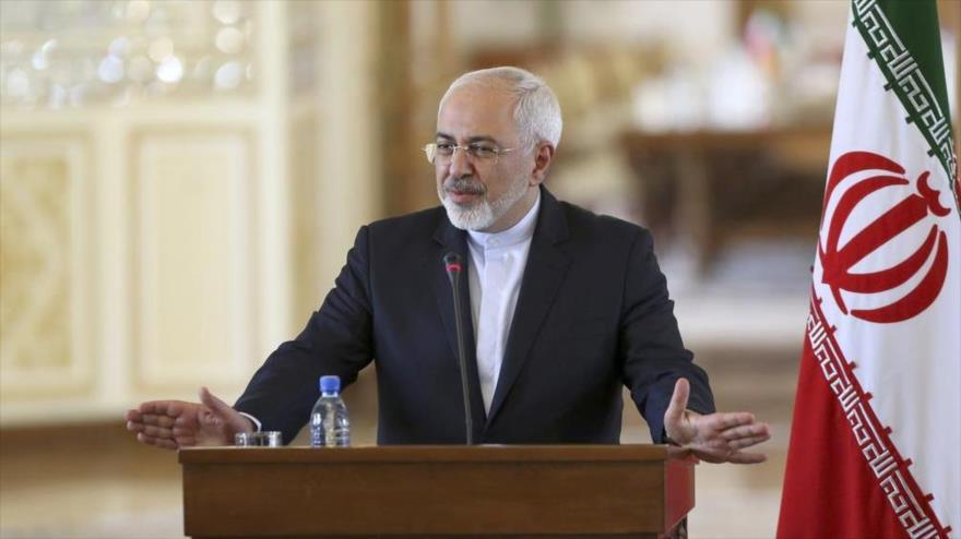 El ministro de Asuntos Exteriores de Irán, Mohamad Yavad Zarif, durante un acto en Teherán, la capital. (Foto: AP)