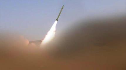 Yemen ataca con misiles base de fuerzas lideradas por Arabia Suadí