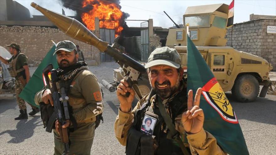 Fuerzas populares iraquíes avanzan en la ciudad de Tal Afar, Mosul, 26 de agosto de 2017. (Foto: AFP)
