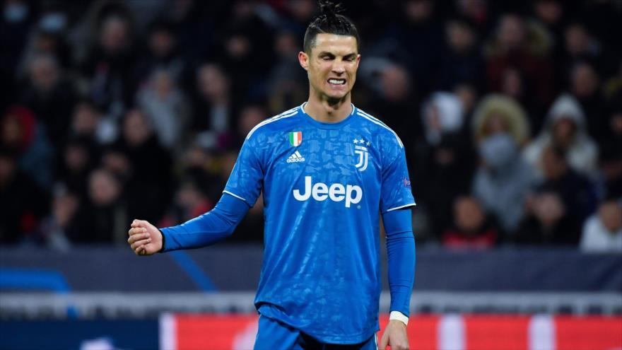 El delantero portugués de la Juventus Cristiano Ronaldo en un partido entre Lyon y la Juventus en Francia, 26 de febrero de 2020. (Foto: AFP)