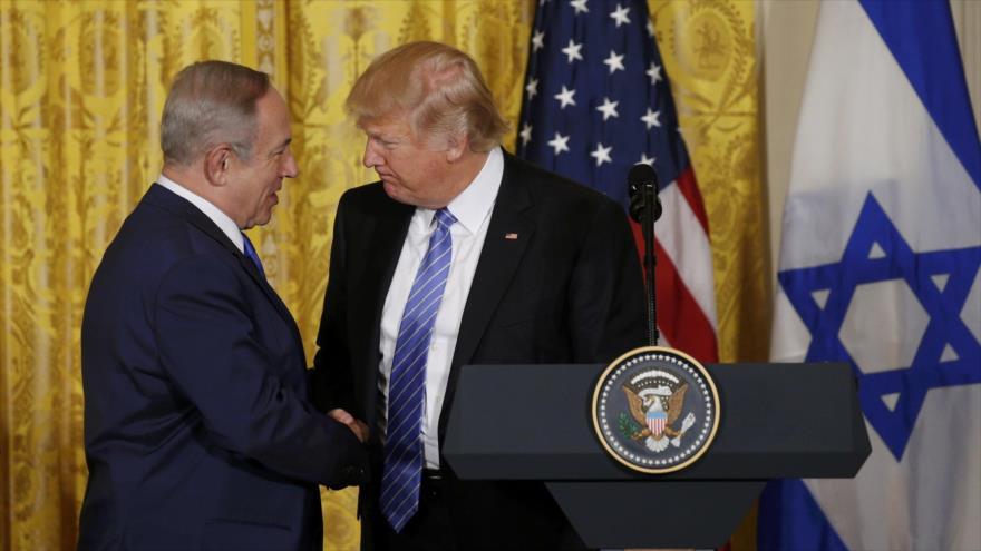 El presidente de EE.UU., Donald Trump (dcha.), junto al primer ministro israelí, Benjamín Netanyahu, en Washington, febrero de 2017. (Foto: Reuters)