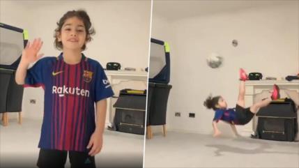 Niño iraní le muestra gran talento a Messi y el astro le responde