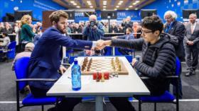 Adolescente iraní de 16 años derrota a campeón mundial de ajedrez