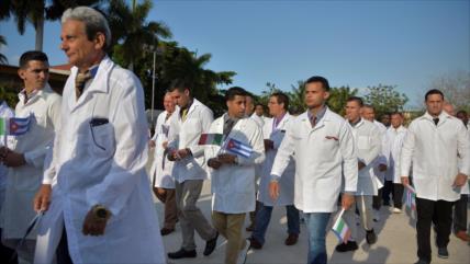 Médicos cubanos ayudan a Catar para combatir COVID-19