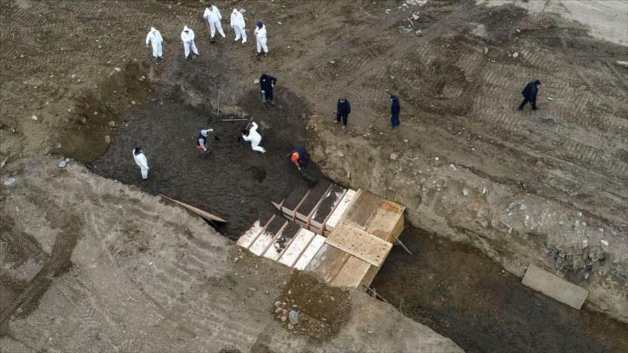 COVID-19 quintuplica entierros en fosas comunes de Nueva York | HISPANTV