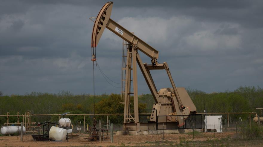 Caída histórica: Petróleo de EEUU se cotiza por debajo de 1 centavo | HISPANTV