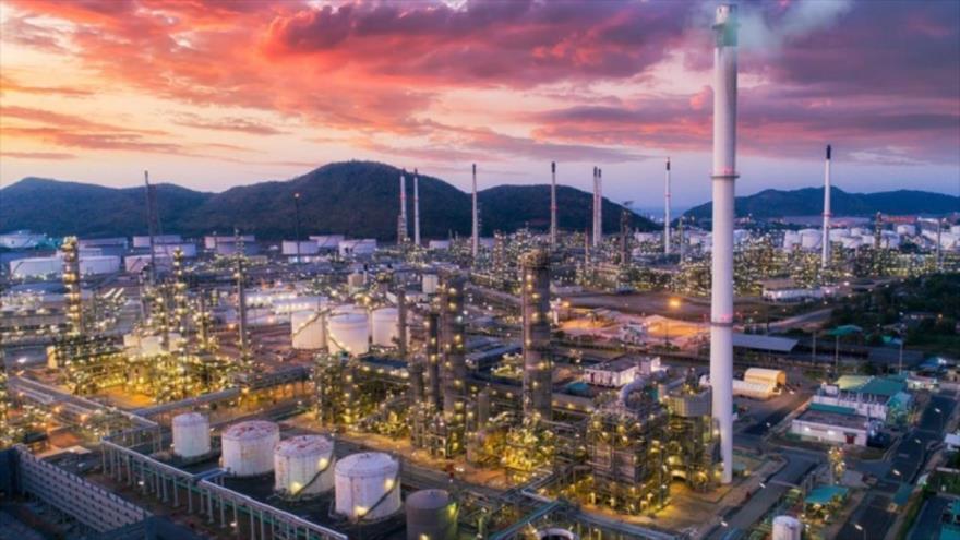 'Irán, bien preparado ante desplome global del mercado petrolero' | HISPANTV