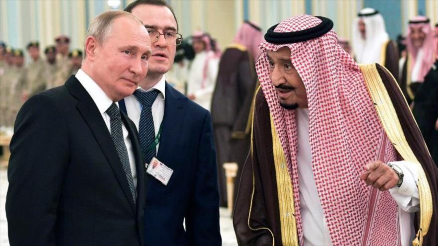 El presidente ruso, Vladimir Putin, y el rey saudí, Salman bin Abdulaziz Al Saud, Riad, capital saudí, octubre de 2019.