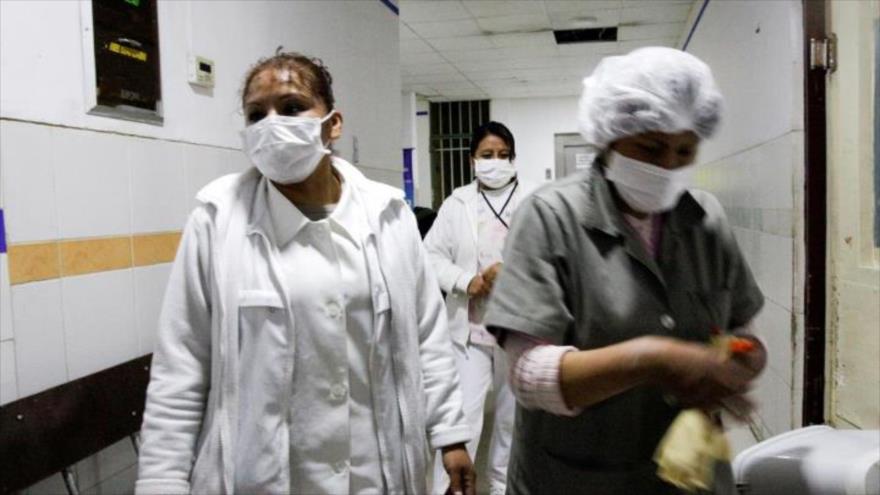 Médicos bolivianos amenazan con paros por falta de equipos | HISPANTV