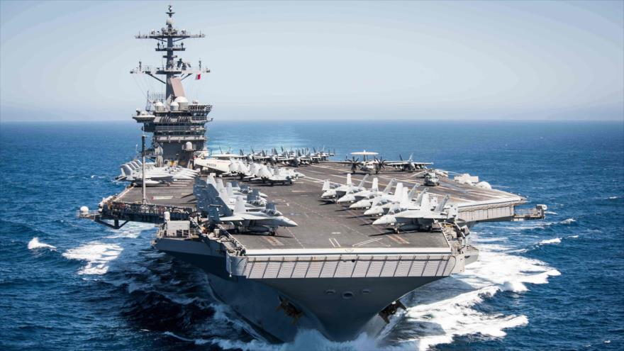 El portaviones USS Theodore Roosevelt en el océano Pacífico.