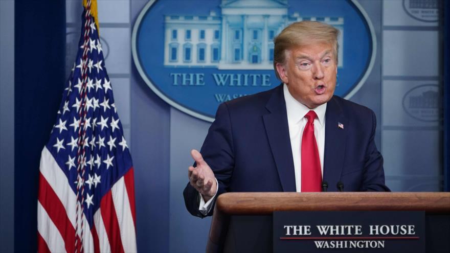 El presidente de EE.UU., Donald Trump, habla en la Sala de Prensa James Brady de la Casa Blanca, Washington, 22 de abril de 2020. (Foto: AFP)
