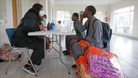 África en alerta tras aumento de 43 % en casos de COVID-19