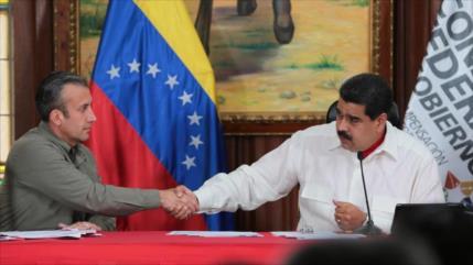 Maduro designa a El Aissami como nuevo ministro de Petróleo