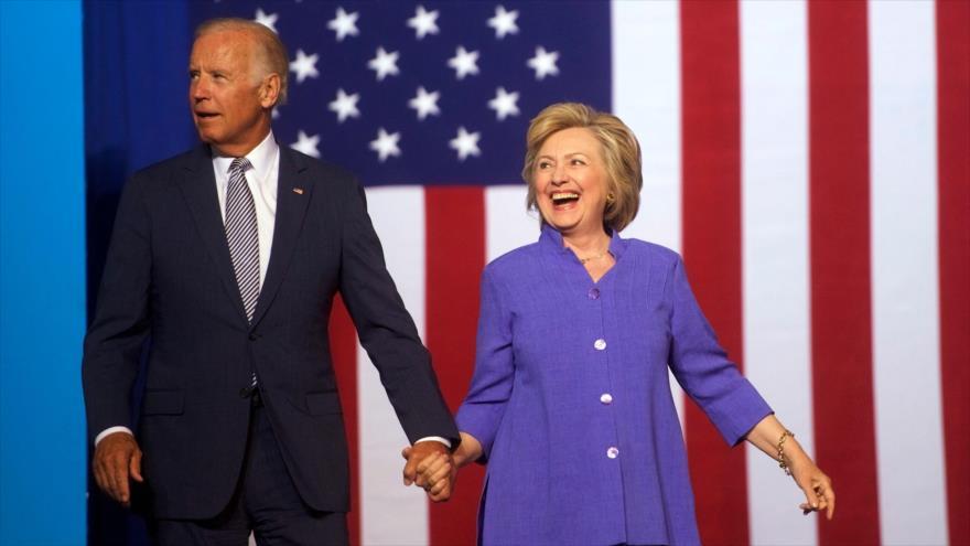 La exsecretaria de Estado Hillary Clinton y el exvicepresidente de los EE.UU. Joe Biden, en Scranton, Pensilvania, 15 de agosto de 2016. (Foto: AFP).