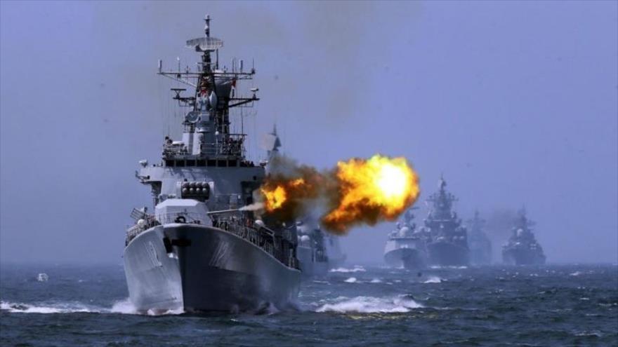 Flota del Mar Negro de la Armada de Rusia durante unas maniobras navales.