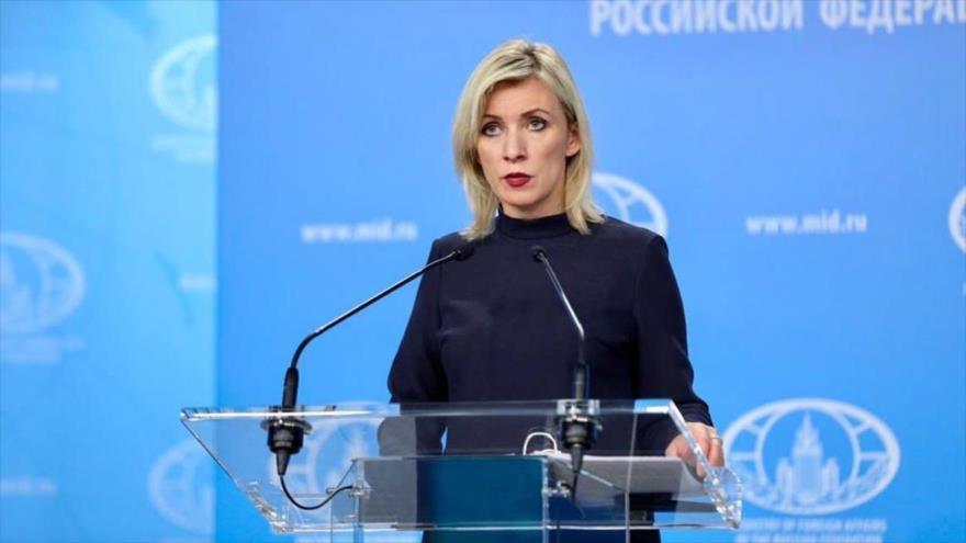 La portavoz de la Cancillería de Rusia, Maria Zajárova, durante la conferencia de prensa semanal, Moscú, 28 de abril de 2020.