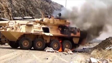 Vean cómo Ansarolá de Yemen destruye varios vehículos saudíes