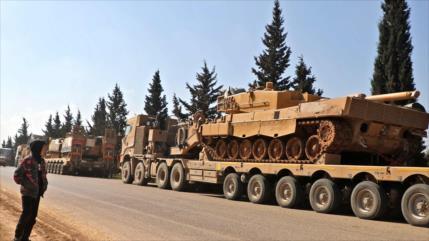 Turquía refuerza sus tropas en Idlib con armas pesadas